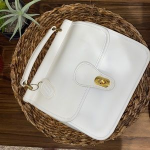 Vintage Classic Collection white leather purse